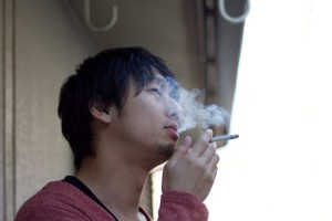 https___www.pakutaso.com_assets_c_2013_02_C812_tabakonokemurimokumoku500-thumb-1000xauto-2517